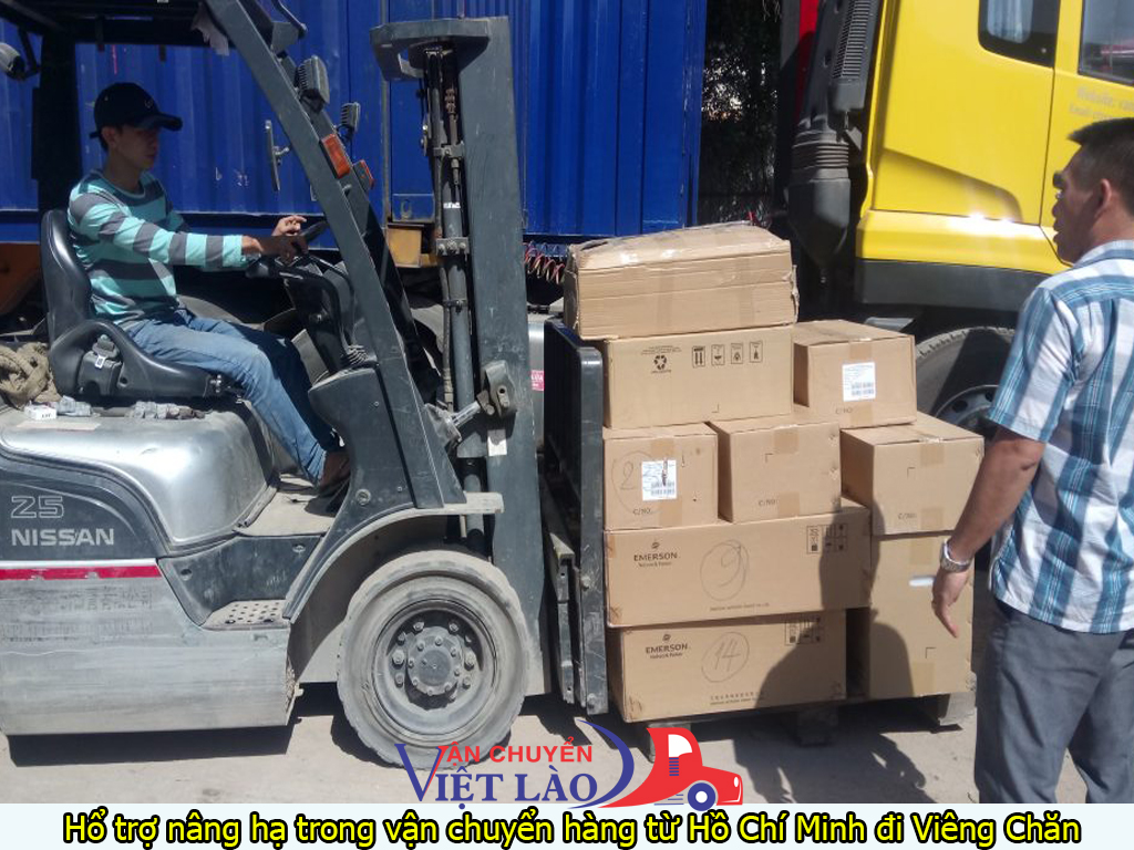 Hổ trợ nâng hạ trong vận chuyển hàng từ hồ chí minh đi viêng chăn