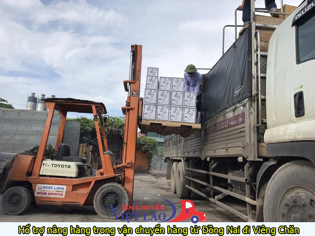 hổ trợ nâng hàng trong vận chuyển hàng từ đồng nai đi viêng chăn