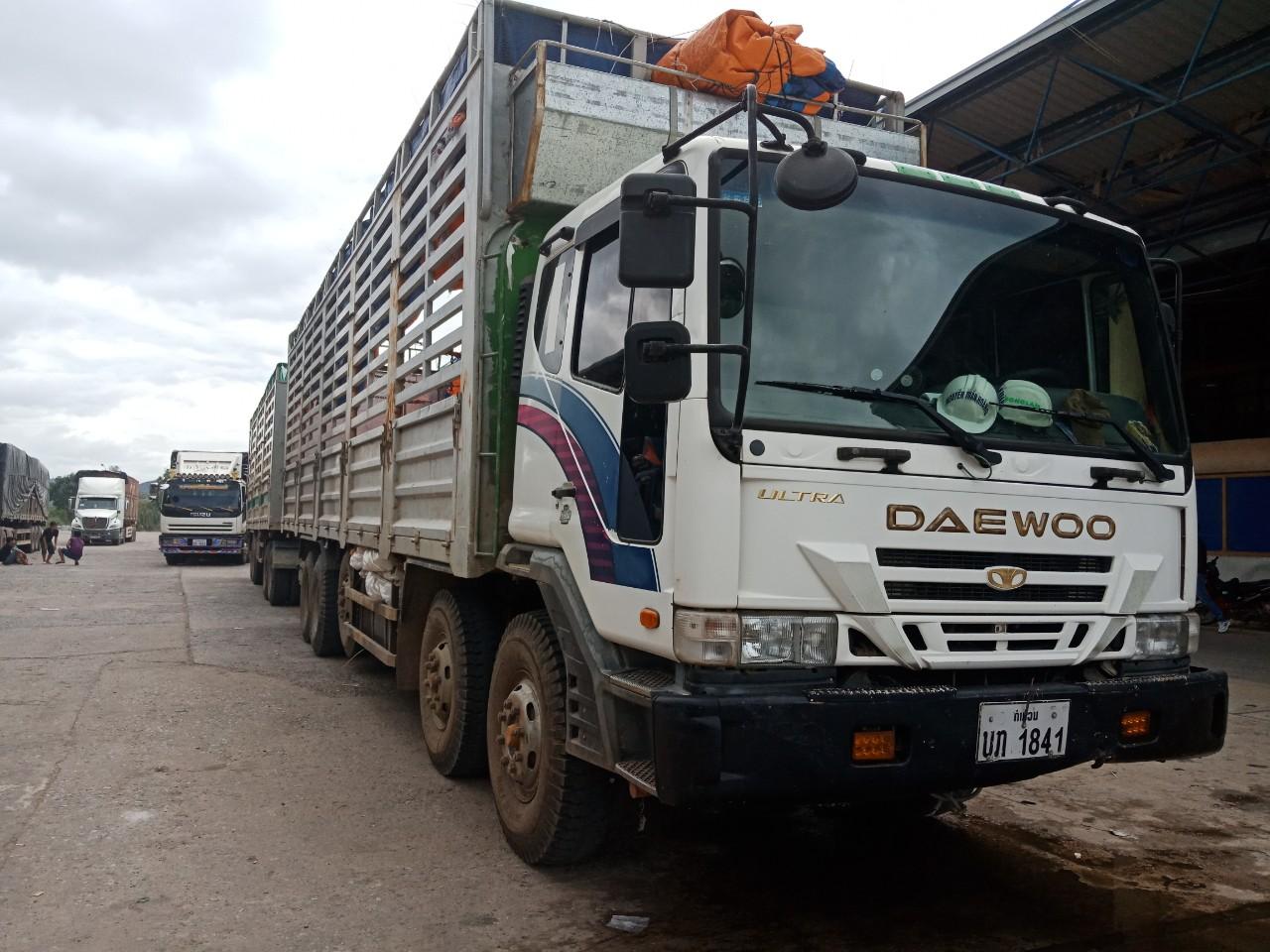 Xe tải chuyển hàng quá cảnh từ Đà Nẵng đi Savannakhet