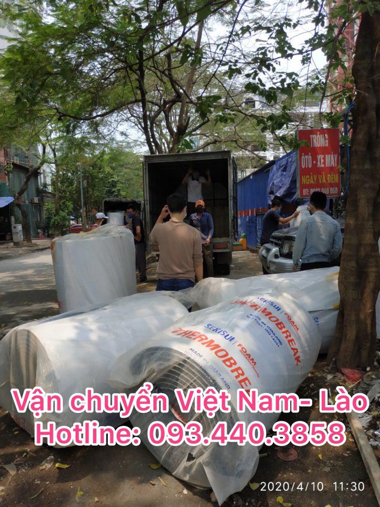 Nhà xe chuyển hàng đi Lào