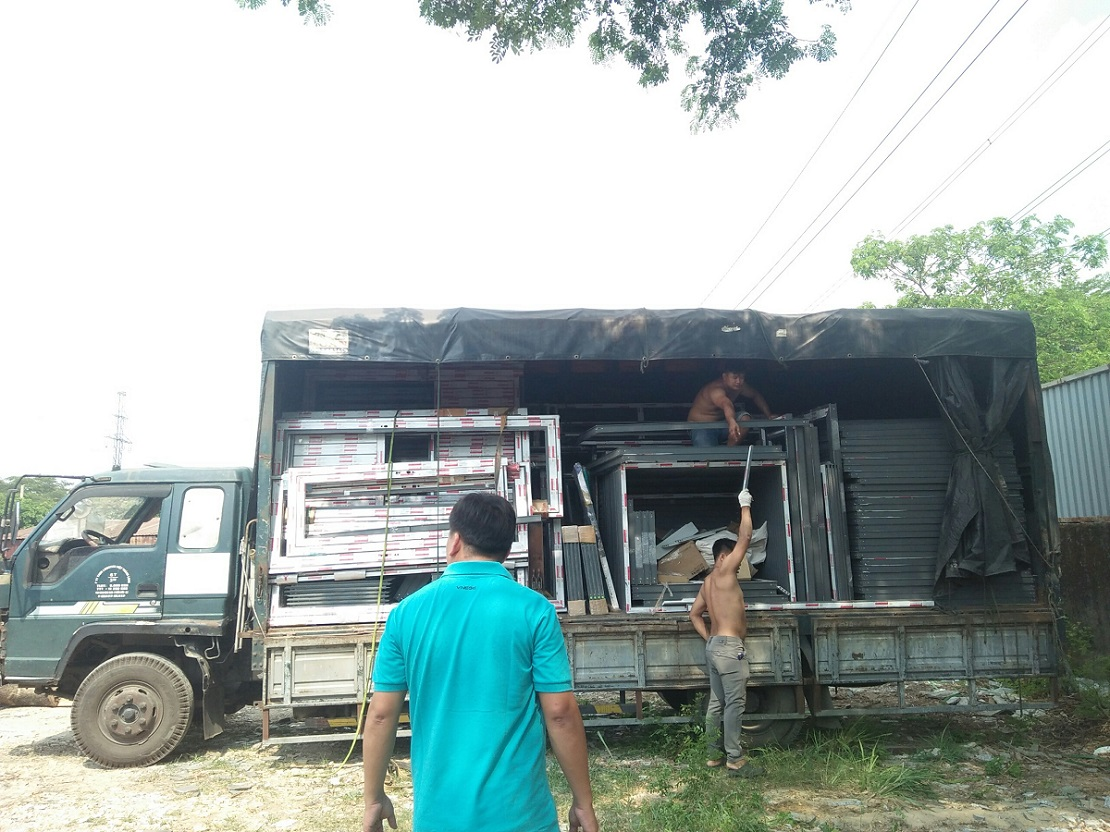 Chành xe tải đi Lào giá rẻ