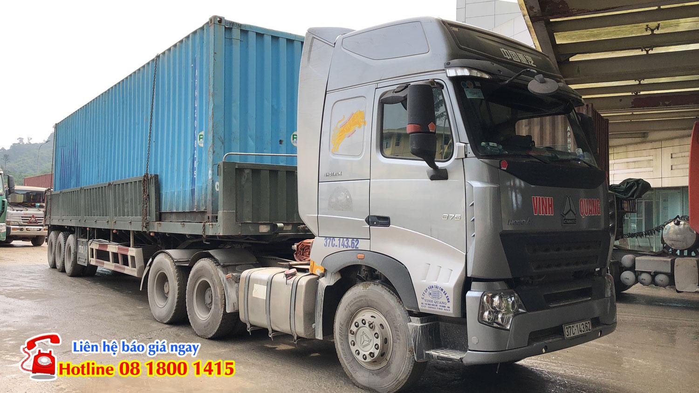 Thuê xe kéo container đi Lào