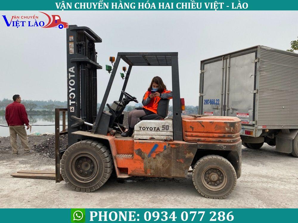 van-chuyen-hang-hoa-di-xieng-khoang-lao